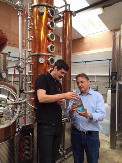 Raymond Blanc et Cory Mason à la distillerie Silent Pool